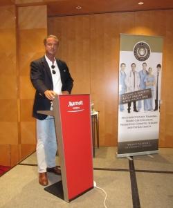 DDr. Heinrich beim Kongreß der WAOCS (World Academy of Cosmetic Surgery)